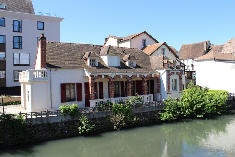 Cosne sur Loire 095--