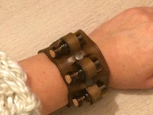 bracelet steampunk avec fioles