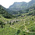 P1070866B descente vers la vallée où se situe le refuge