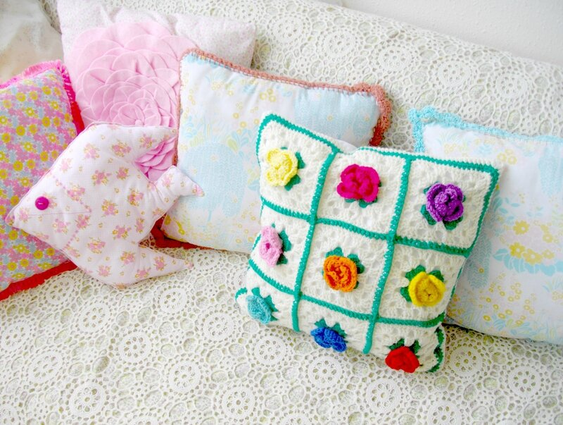 granny-fleur-coussin-seventies-vintage-flower-power-crochet