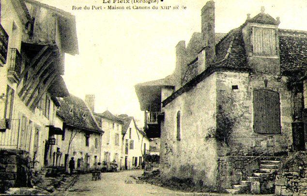 Rue des Canons (en remontant du quai)