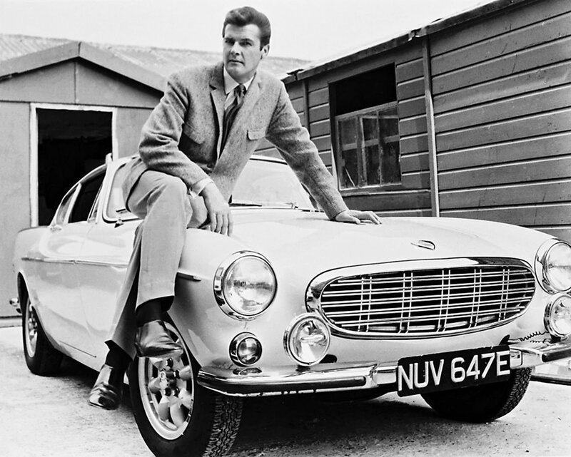 roger_moore_with_saint_volvo_nuv_647e