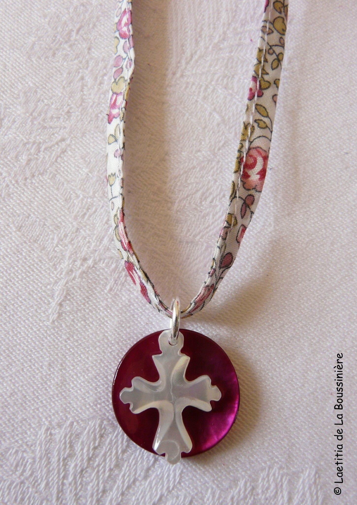 Collier de Jérusalem (sur cordon Liberty Eloïse rose) - 25 €