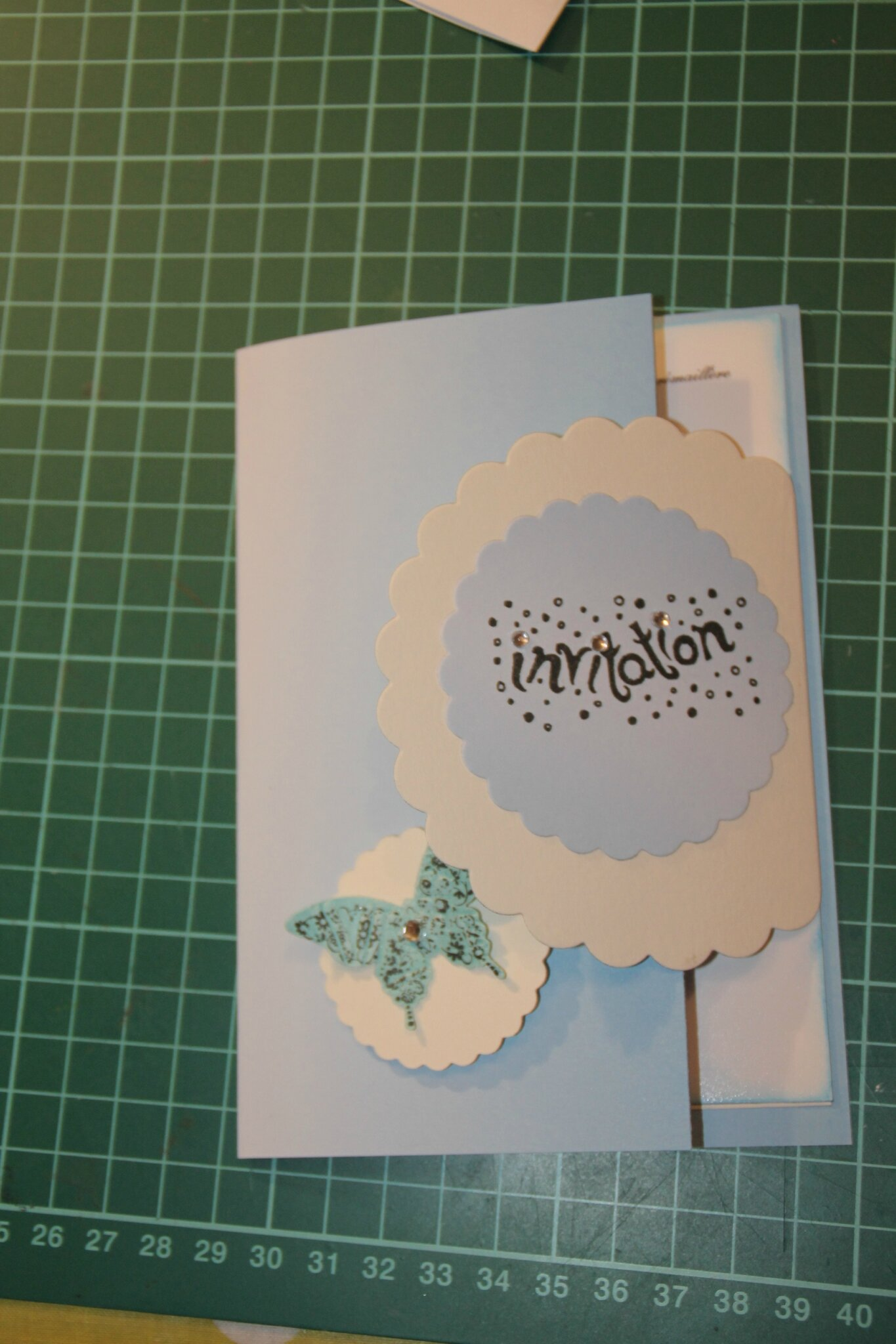 une carte d'invitation