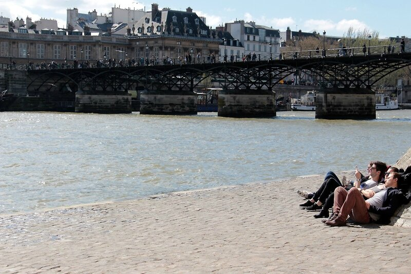 6-Pause soleil, Quai de Seine_0351
