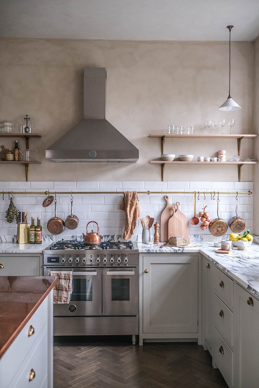 A+Beautiful+deVOL+Kitchen+in+a+Renovated+German+Schoolhouse+-+The+Nordroom