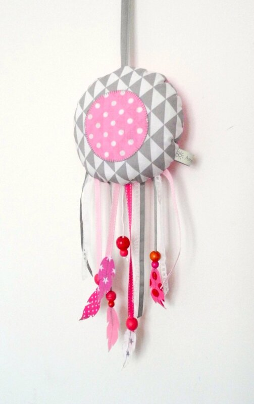 dream catcher attrape reve musical gris rose