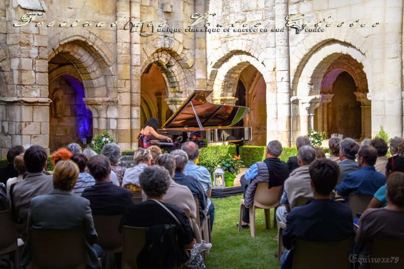 Festival des Voûtes Célestes, Soirée Pianos au cloître à l'abbaye de Nieul sur L'Autize (2)