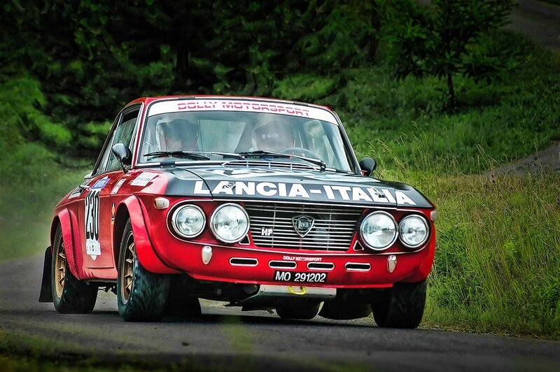 red-and-black-lancia-fulvia-alain-de-maximy