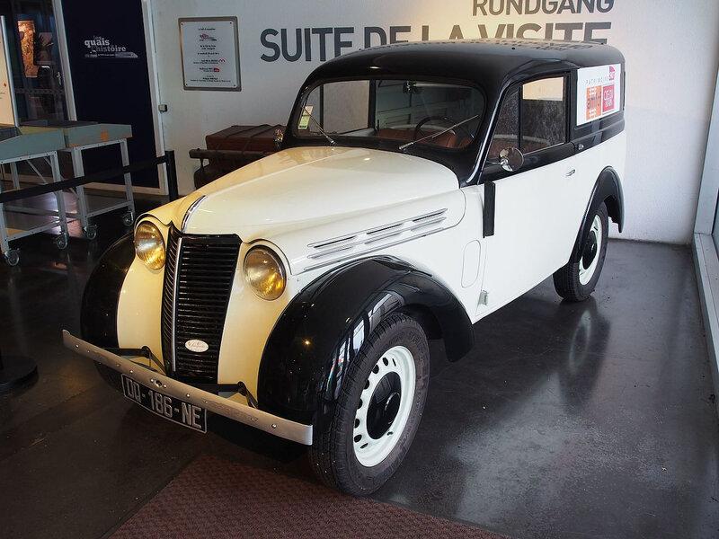 Renault_Dauphinoise_photo_2