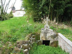g) Belhade, fontaine Sainte-Anne