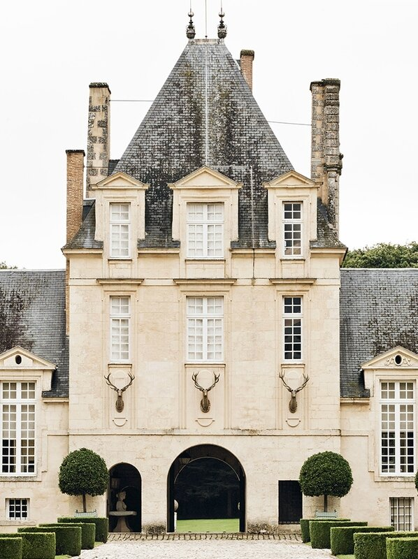 01-Hubert-de-Givenchy-Château-du-Jonchet-This-Is-Glamorous