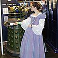 Un Dalek qui prend le thé avec miss Sushi