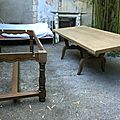 Table Emmaüs ponçée avant relooking. DR Le Meuble du Photographe.
