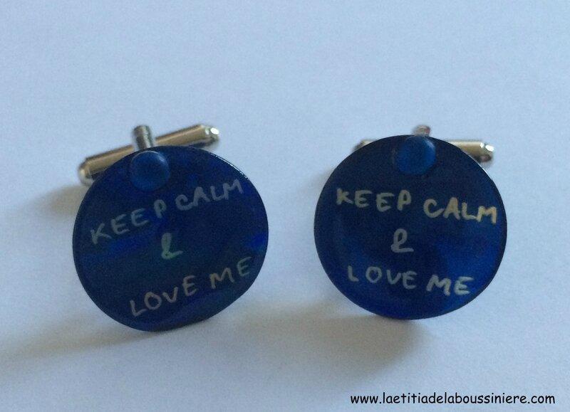 Boutons de manchette en nacre bleu nuit gravée Keep Calm & Love me - 23 €