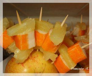 brochettes ananas et surimis