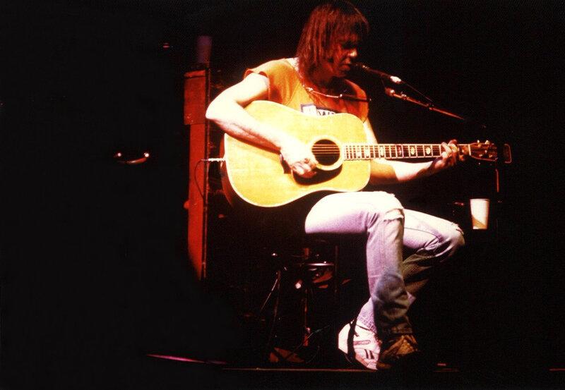 1987 05 Neil Young Palais des Sports 01
