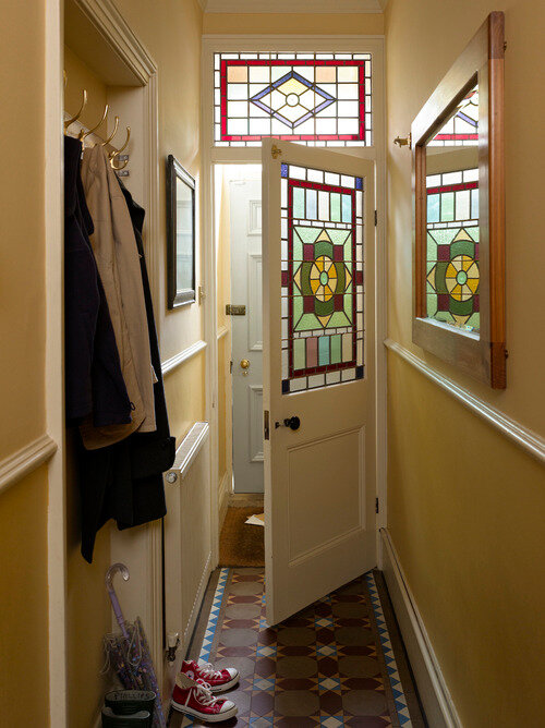 entrance+hall+painted+in+yellow+tones+edwardian+town+house+