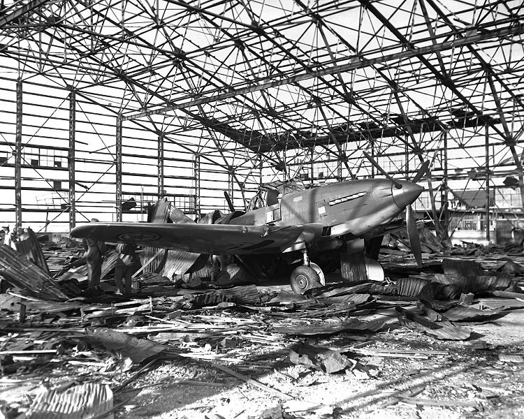 750px-Il-10_damaged_Kimpo_Korea_1950
