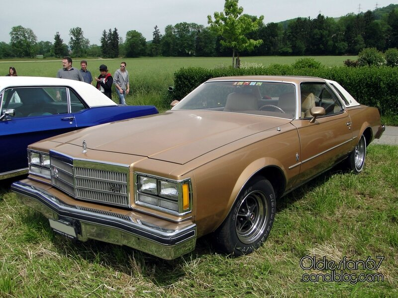 buick-regal-landau-coupe-1977-01