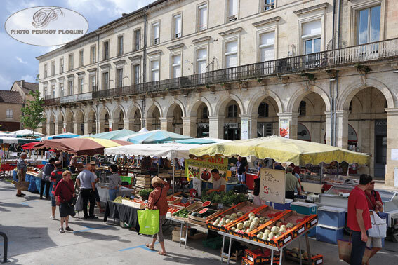 MARMANDE_place_du_marche_