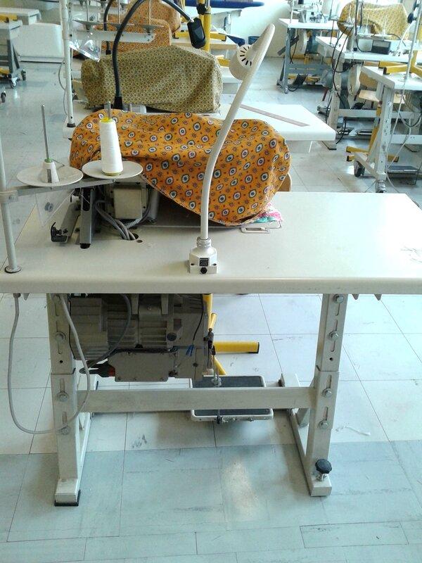 machine à coudre industrielle moteur