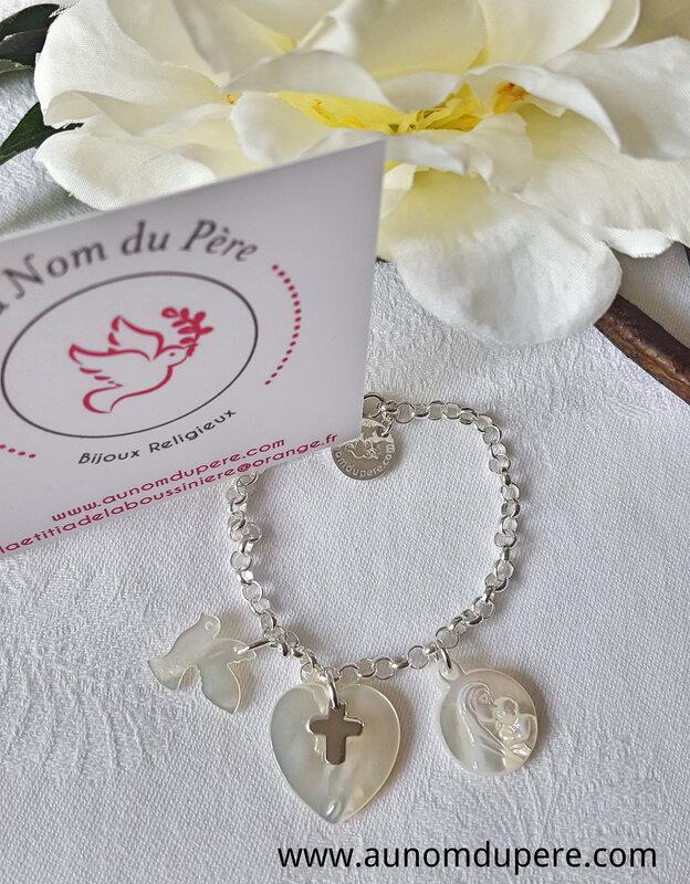 Bracelet sur chaîne argent massif colombe en nacre, coeur en nacre surmonté d'une mini Croix en argent et médaille de Vierge à l'Enfant en nacre - 84 €