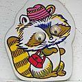 raton laveur avec sac et chapeau