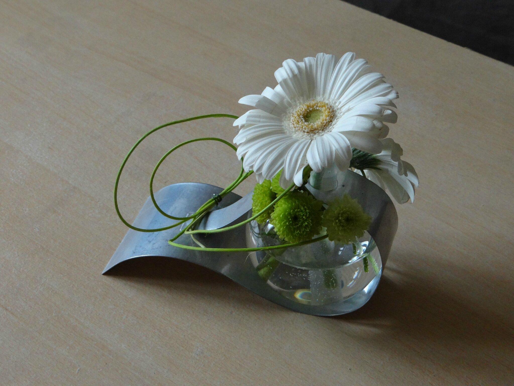 composition florale bulle et aluminium c pour cr er. Black Bedroom Furniture Sets. Home Design Ideas