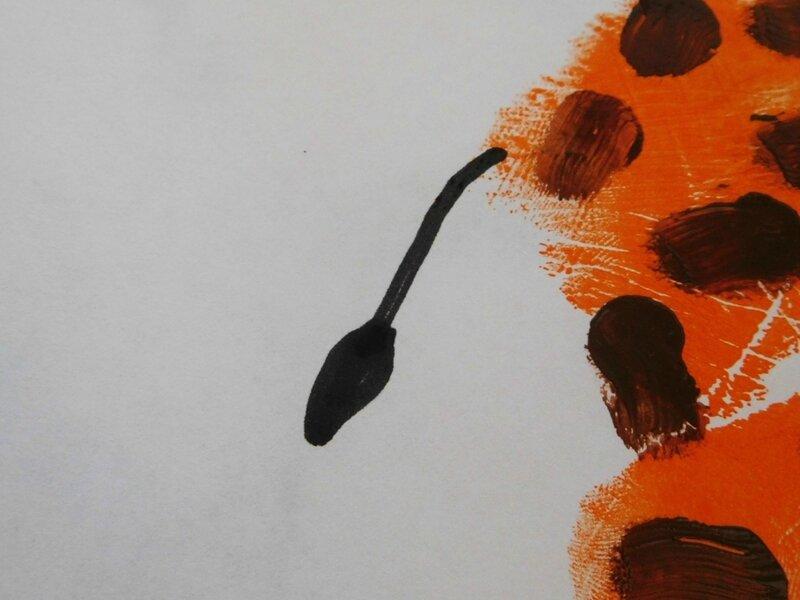 219_Afrique_Une girafe dans la main (44)