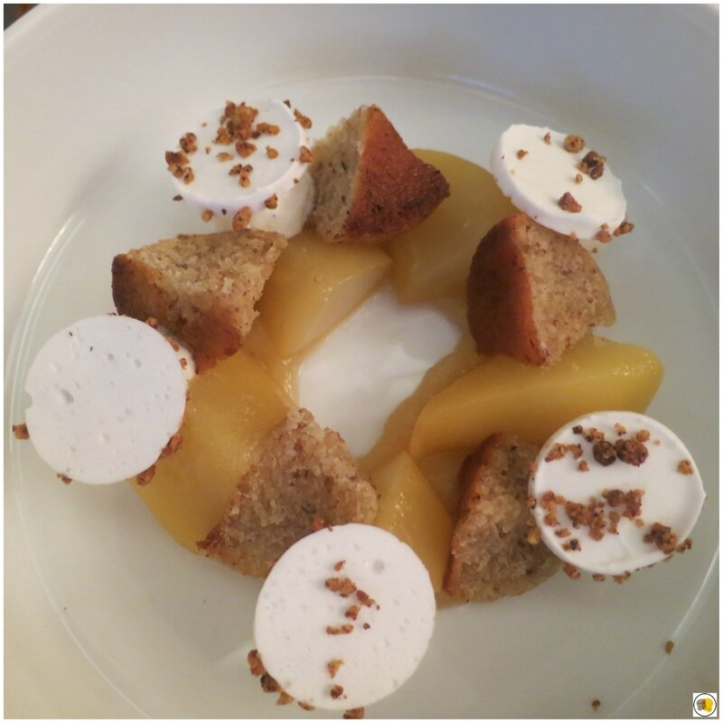 Poires au caramel - Financiers - Crème Chantilly