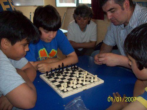 Taller de Aljedrez con el Tío Cristián M. (voluntario)