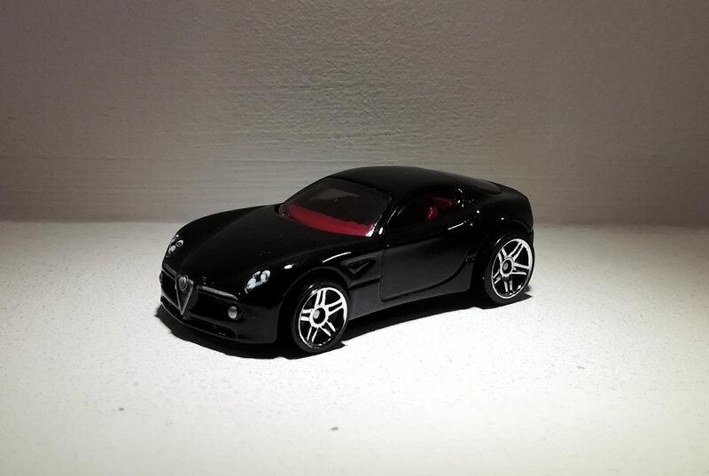 Alfa Roméo 8C (Hotwheels)