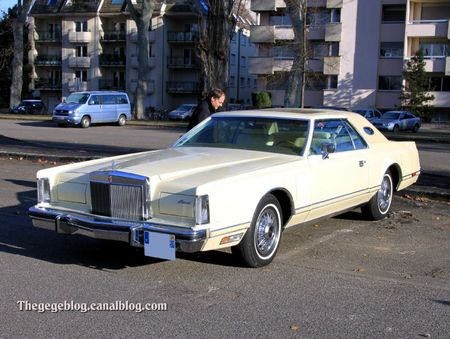 Lincoln continental mark V hardtop coupe de 1977 (Retrorencard fevrier 2012) 01