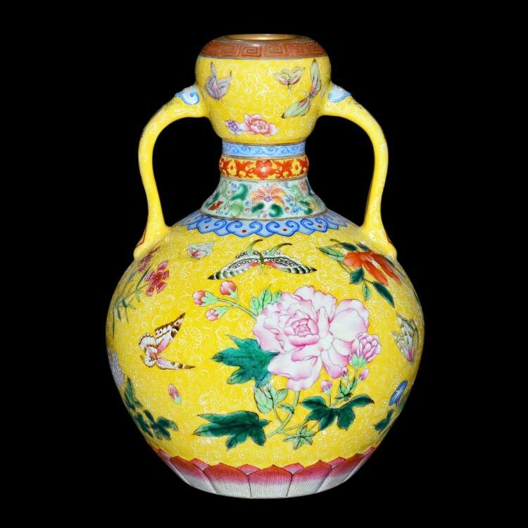 15m Chinese Vase Leads Gianguan Auctions Asia Week Salen Alainr