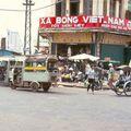 Publicité Savon Vietnam peint sur la devanture d'un magasin