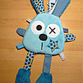 doudou_lapin_attache_t_tie_bleu_marron__1_