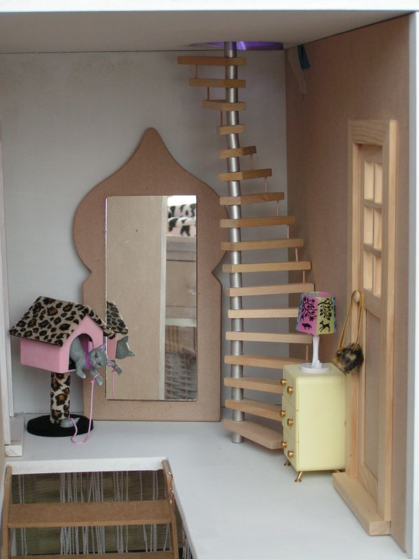 premiers d fis les escaliers barbie histoire d 39 une maison de poup e. Black Bedroom Furniture Sets. Home Design Ideas