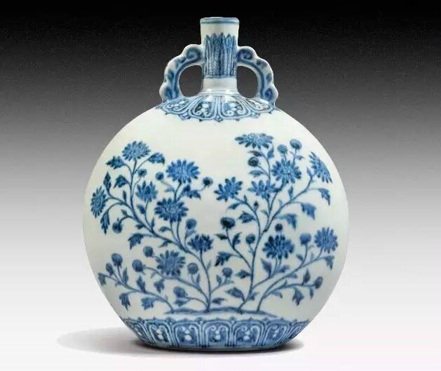 A blue and White Aster Moon Flask, Yongle period (1403-1424)