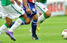 POUR ÊTRE JOUEUR TITULAIRE DANS LES CLUBS DE FOOTBALL