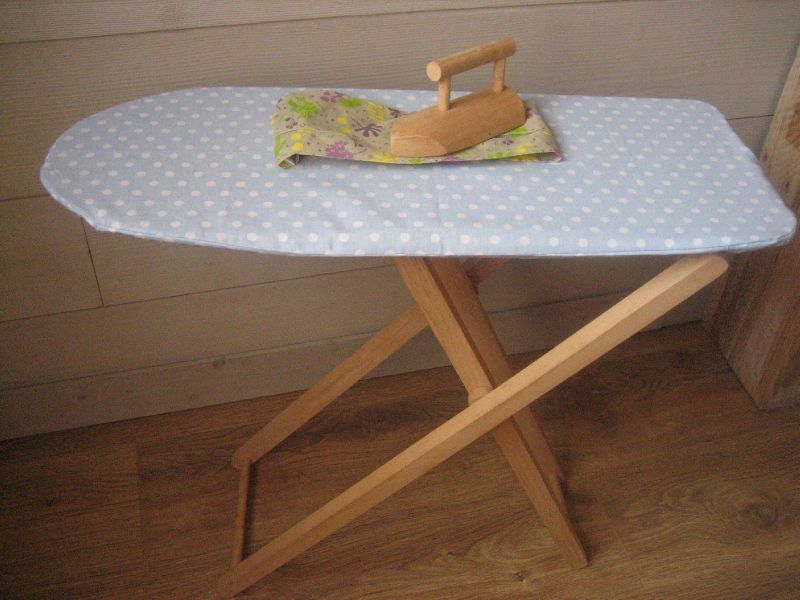 Table a repasser enfant lilicabane for House table a repasser