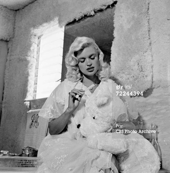 jayne-1960-08-19-home-bathroom-1