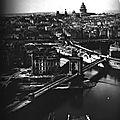1860 L'ancien pont Loius-Philippe, vue prise de la Tour Saint-Jacques