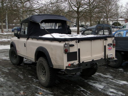 LAND_ROVER_109_s_rie_III_Pickup___Retrorencard 3