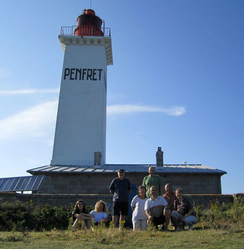equipage au pied du phare