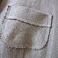 Veste courte à la taille, ceintrée, en lin épais gris avec poches plaquées effilochées, découpes épaules et boutons de nacre - taille XL (11)
