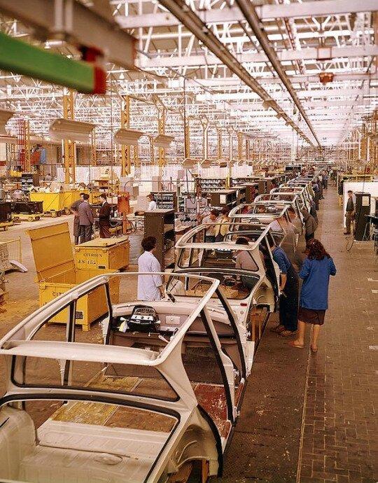 Citroen Ami 6 assembly line
