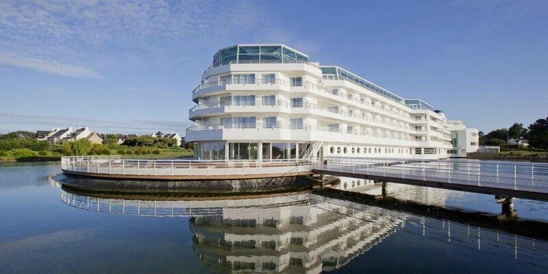 Exterieur-Miramar-La-Cigale-hotel-5-etoiles-Arzon_1200