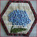 Un hortensia en broderie au ruban