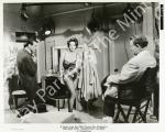 mm_dress-bus_stop-leslie_caron-the_man_who_understood_women-4